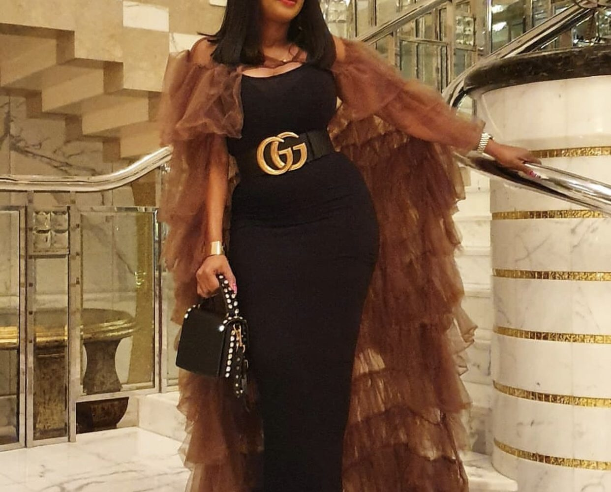 Popular Abuja Based Fashion Designer Ogodor Receives Award While On Vacation In Dubai Photos Wanbaba Blog